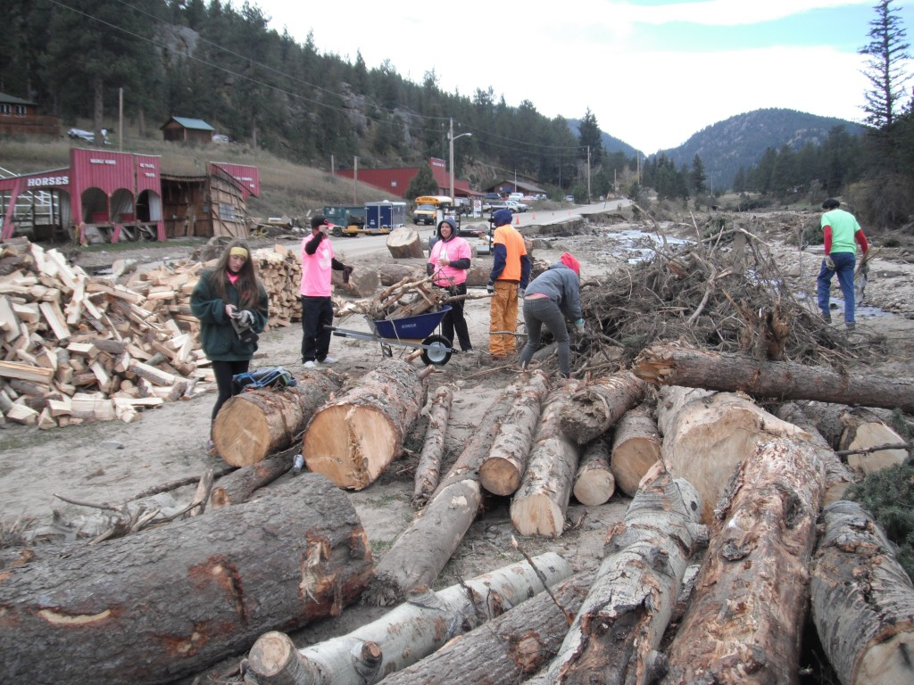 Eagle Rock students help with 2013 flood recovery efforts in Estes Park, Colo.